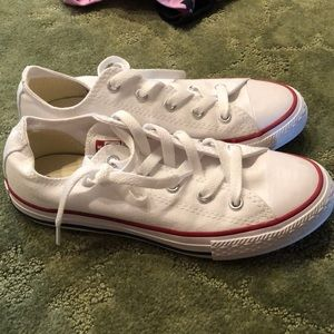 Converse sneakers white low top size 2 kids
